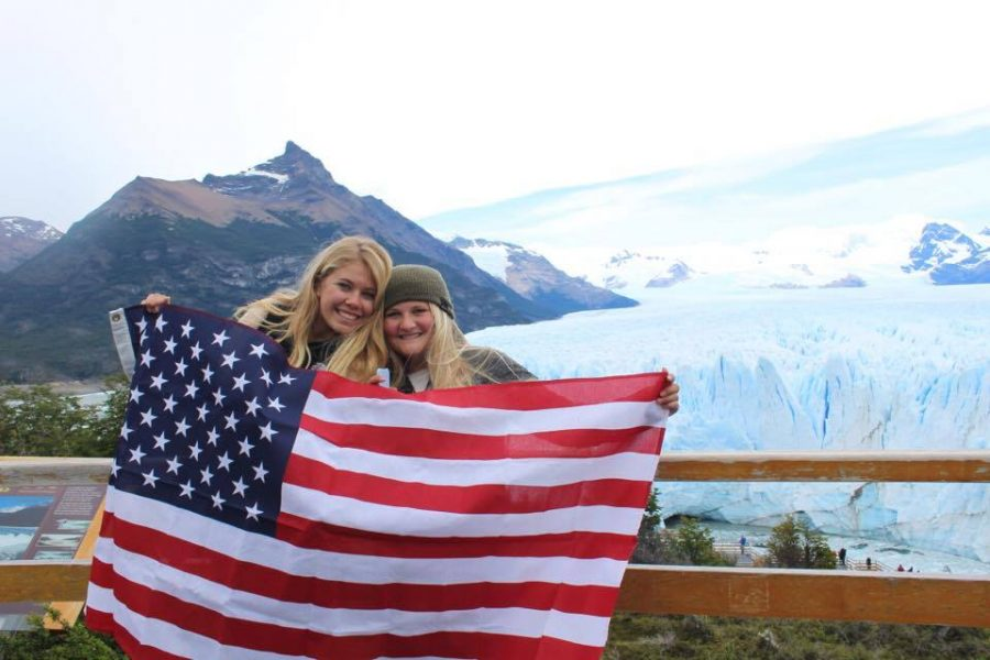 Photo+courtesy+of+Annabelle+Ward.%0AAnnabelle+Ward+%28left%29+in+Argentina+studying+abroad.
