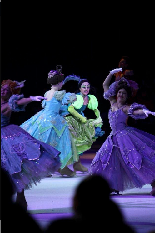 Disney+on+Ice+performing+on+November+4+in+the+Prudential+Center.+%28Sari+right%29%0A%0A