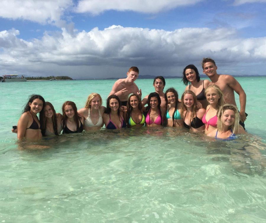 Charlotte+Howie+and+other+high+school+students+on+their+trip+to+Fiji+with+Rustic+Pathways.+