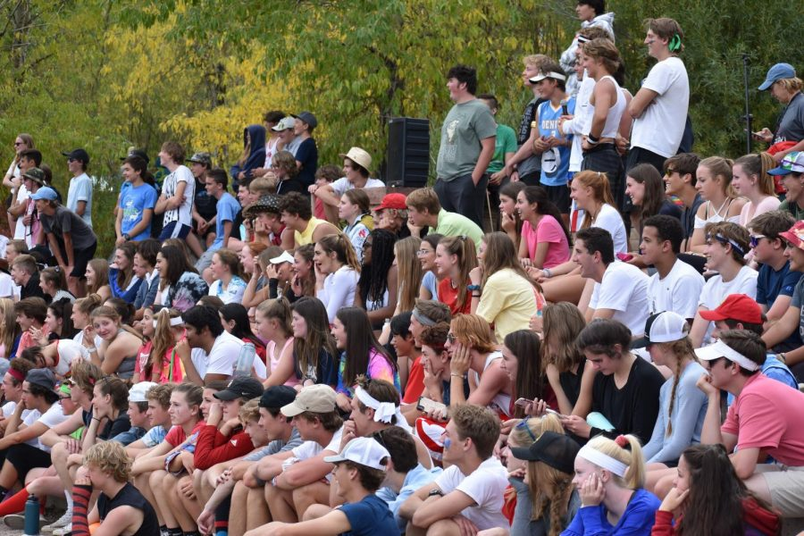 AHS+students+rally+to+watch+the+staff+vs.+student+dodgeball+game+on+Field+Day+2019