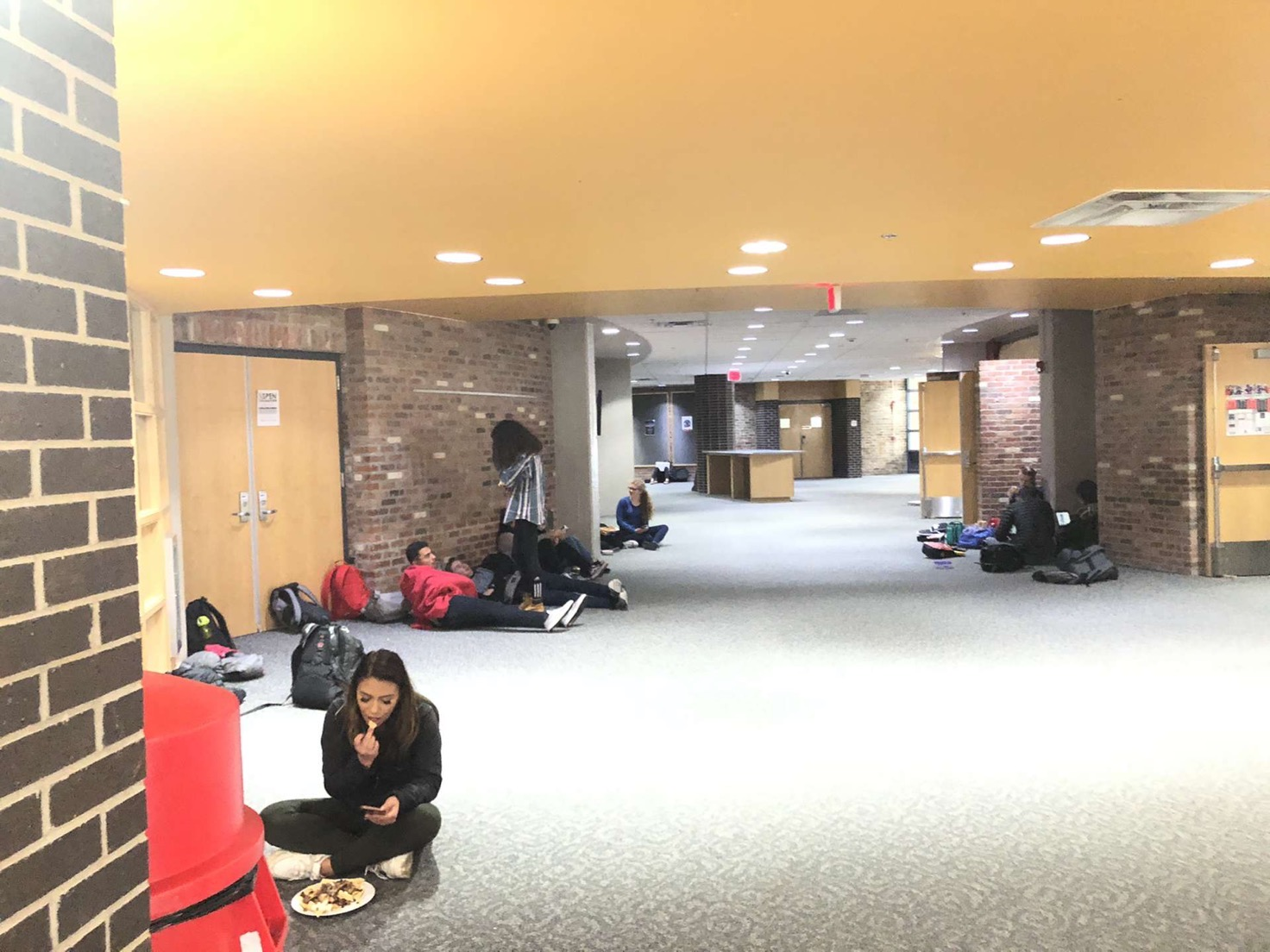 Students enjoy lunch outside Commons