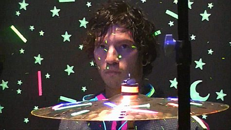 Josh Dun playing the drums in the newest music video