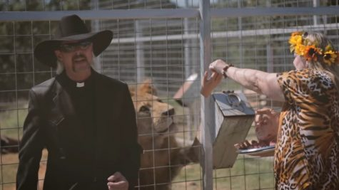Carole Baskin look-alike feeding Don Lewis to a lion in Joe Exotic