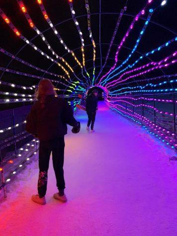 A great skiing alternative, the Snowmass light exhibition at night. Located adjacent to the Skittles gondola on Snowmass mountain.