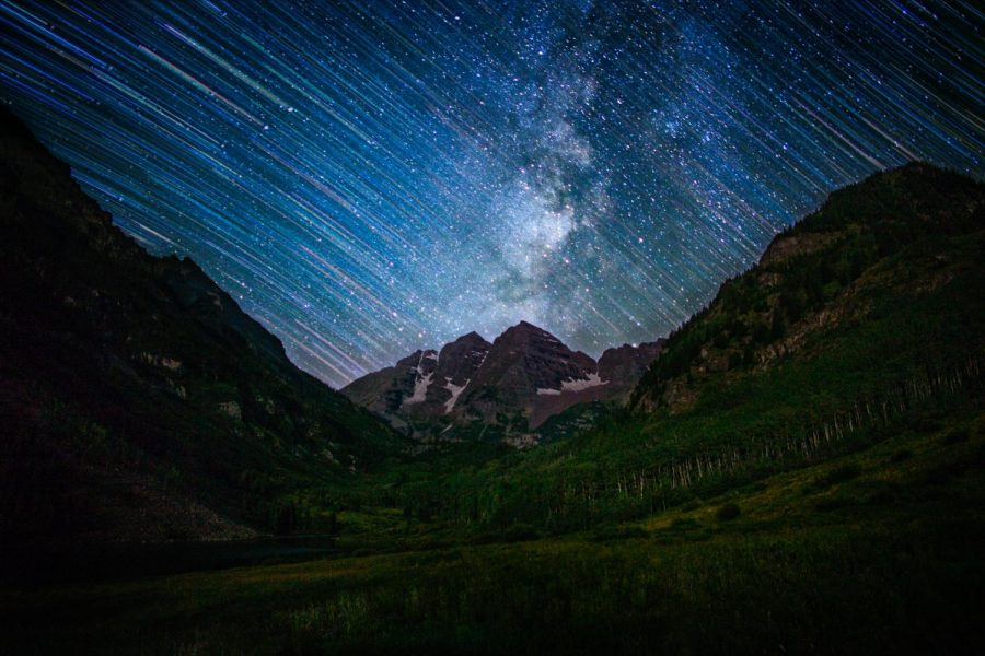 Time+lapse+photo+of+starry+night+sky+over+Maroon+Bells+in+Aspen.+Because+there+is+little+light+pollution+at+the+Bells%2C+stars+are+very+visible.