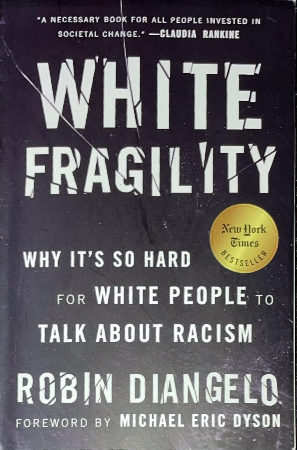 Photo of the cover of White Fragility By Robin Diangelo